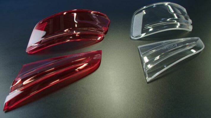 Luces traseras de Audi transparentes, rojas fabricadas con impresión 3D