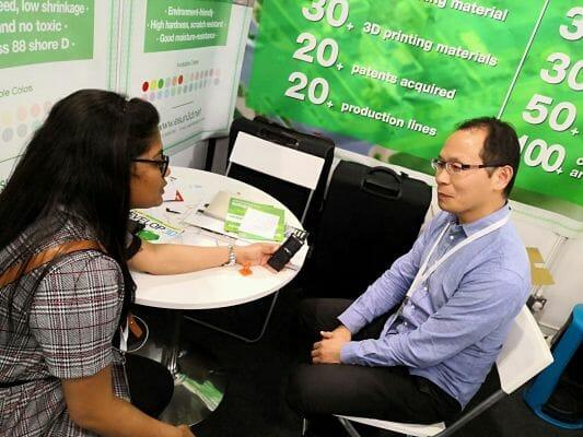 Entrevista a Kevin Yang para la industria de la impresión en 3D en TCT dos mil dieciocho en el R. Unido.